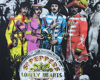 Vintage The Beatles Sgt. Peppers - Band Tee - Graphic T-Shirt - Album Cover - Size X-Large 1990s