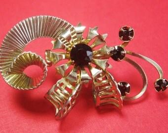 Rhinestone Brooch - Ruby Red Rhinestone Brooch - Flower Brooch - Gold tone Metal