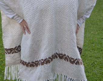 Hand woven poncho/Hand knitted cape/hand knit Poncho wrap /wool poncho/sheep wool poncho/hand woven wool poncho/wool vest