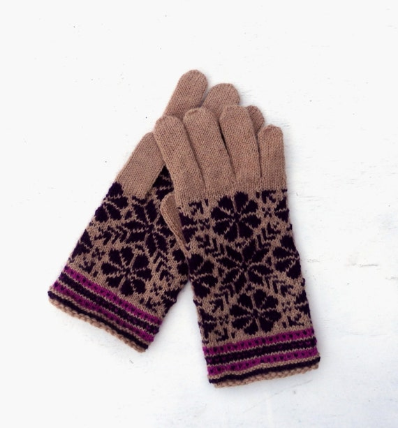 Hand knitted fair isle wool gloves with fingers knit