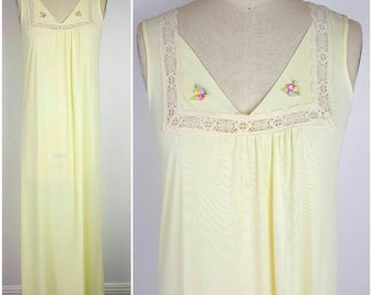 SALE // Sweet Yellow Night Gown - Long - 70s - Medium