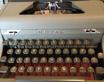 ROYAL ARROW TYPEWRITER ///1940s/// Excellent Condition
