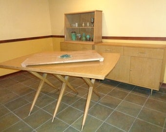 Lovely Mid Century Modern Dining Room Set Table With Great