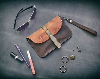 Leather Sunglasses Case with your initials handmade by Ladybuq