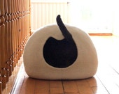 White cat bed - cat cave - Christmas gift - felted wool cat house - handmade cat bed from natural wool - made to order