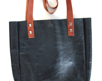 leather tote, chic tote, simple leather bag, simple tote bag, leather tote bag, purse, leather purse, chic bag, 'the Simple DimensionalTote'