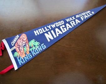 Hollywood Wax Museum, Niagara Falls Canada Vintage Felt Pennant King Kong