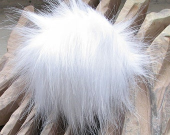 White Faux Fur Detachable Fur pom pom, Vegan Faux Fur Pom Pom for Knit Hat, White Fur Bobble Perfect knitted Accessories