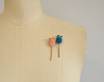 Vintage Sweater Pins / 1950s Fuzzy Flocked Velvet Mice Jewelry with Rhinestone Eyes / Scatter Pins