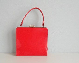 Vintage 50s Red Handbag / 1950s Candy Apple Red Patent Structured Bag with Gold Toned Trim