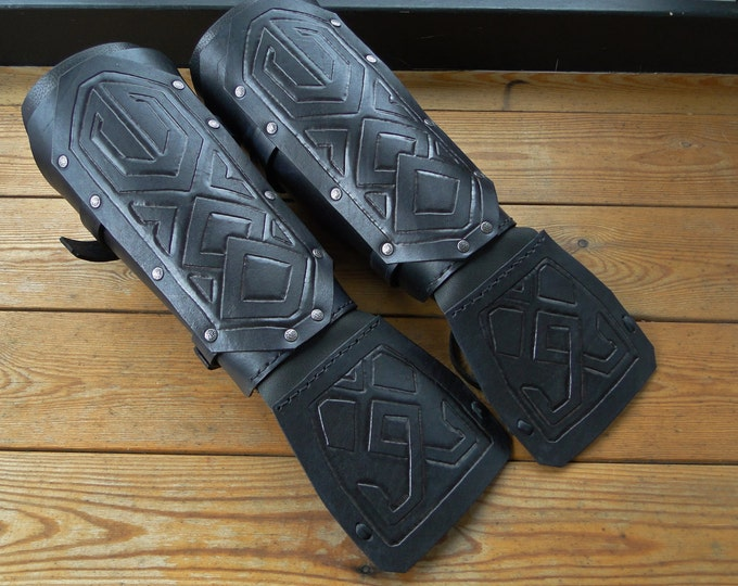 Dwarven Leather Bracers - Dwarf Arm Guards, w/ Hand Guards, Tooled, Medieval, Renaissance Mens - Black Warlord