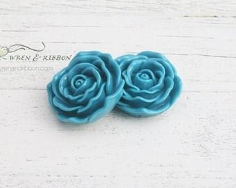 Resin Flower Pendant - turquoise - Neckace flower bubblegum pendant