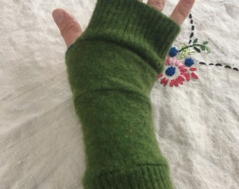 Grass green cashmere arm warmers