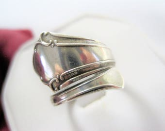 Sterling Spoon Ring by Towle - Chippendale Pattern - Sz 6 - ByPass Ring - 40's Ring