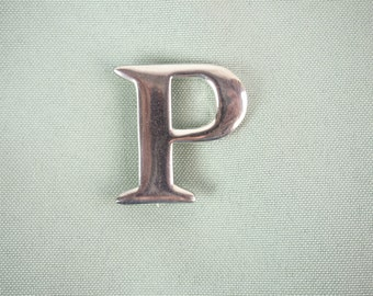 Initial P vintage brooch/ pin- Silvertone- 1-1/4 inches tall- unmarked- Bridal Bouquet Monogram- Lapel Pin