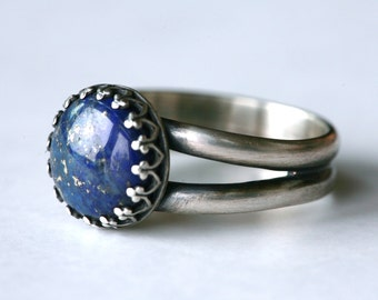 Size 7 Lapis lazuli and Antique Sterling Silver Ring