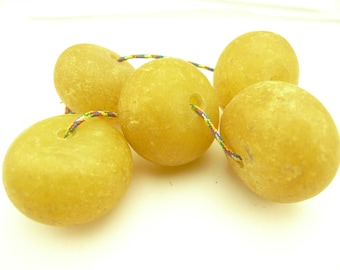 5 pcs large lovely old focal African 'amber' type imitation trade beads AJ-0029
