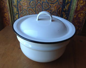 White and Black Enamel Pot with Lid, Small, 1 Quart, Black Rimmed, Bean Pot