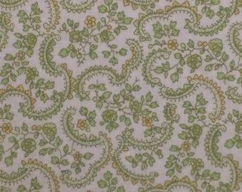 Cotton Fabric / Vintage Floral Cotton Fabric / Green Floral Fabric / Floral Fabric / Vintage Green Floral Fabric