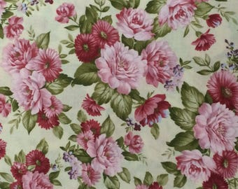Cotton Fabric / Pink Floral Fabric / Pink Fabric / Quilting Fabric / Floral Quilting Fabric / Pink Floral Cotton Fabric / Hobby Lobby Fabric