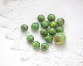 Mixed Lot of 15 Vintage Marbles, Minty Green Sunburst green, red, yellow