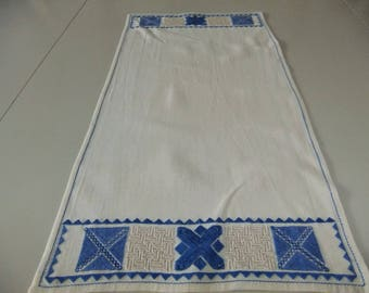 Vintage Swedish hand embroidered tablecloth - Different pattern in blue and nature yarn