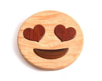 Emoji - Smiling Face With Heart Shaped Eyes