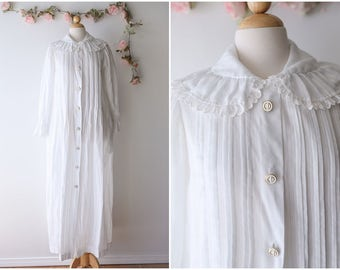 Vintage Christian Dior White Eyelet Nightgown - 1970's 1980's Designer Vintage Loungewear - Long Sleeved Vintage Robe - Size Large