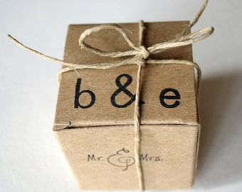 10 Rustic wedding,monogram favor boxes,wedding favors small kraft box, personalized gift box, candy box Mr&Mrs