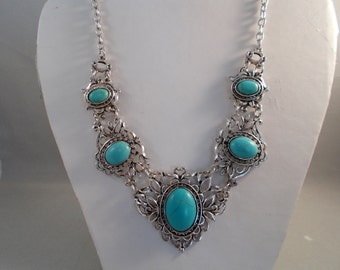 Silver Tone and Turquoise Pendant Chain Necklace