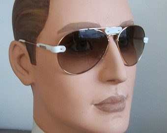 Vintage Style Authentic Sunglasses Whuite Leather, Brown Geradient Lens Round Aviator Style. Low price, never worn. Great Gift! Mint