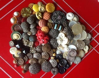 Vintage and antique buttons