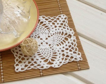 Square crochet doily Small crochet doily White crochet doily Cotton coaster Small doilies Crochet coasters Square doily 368