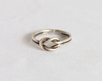 Vintage 925 Love Knot Ring - Sterling Silver Reef Square Knot Size 7