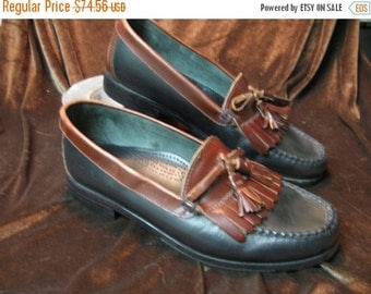 SALE Early 90's Kiltie Tassels Duck Head, Mens Loafter,Leather Soles, Dark Blue near black with a red brown leather US Mens 8 Preppy Trad sh