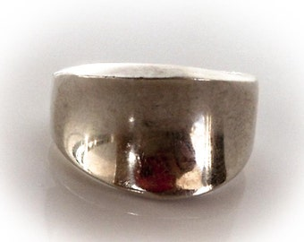 Sterling Concave Band        Size 8  Tapered Ring