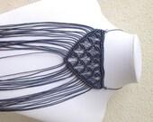 Dark grey fringe macrame necklace, modern macramè, handmade in Italy, woven jewelry, gray choker, winter fashion, long fringe, morenamacrame