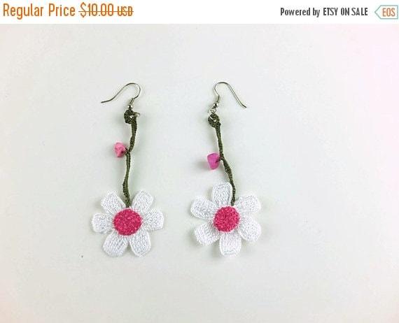 White Daisy Earrings, Dangle Flower Earrings, Crochet Earrings ,Knit Crochet Jewelry, Summer Jewelry, Turkish Oya Lace