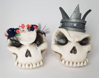 Skull Wedding Cake Topper, Gothic Wedding Decor, Custom Clay Figurines, King and Queen Wedding, Royal Wedding, Clay Cake Topper, Wedding