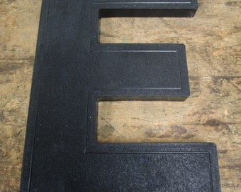 """Vintage Plastic 10"""" Slotted Drive-In Theater Sign Black Letter Number """"E"""""""