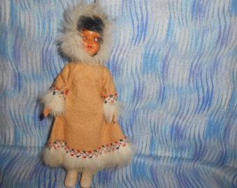 """Vintage Eskimo Doll-7.5"""""""