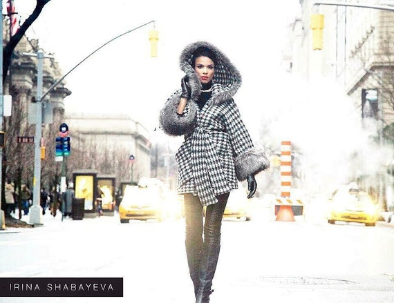 Irina Shabayeva Signature Oversize Print Grey/black Coat with (faux) fir  details and belt.