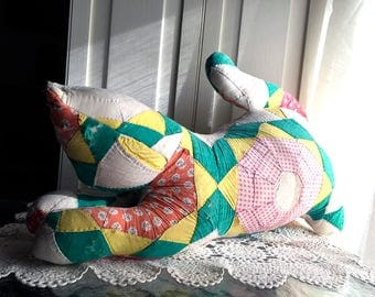 Vintage Quilted Cat / Stuffed Cat / Vintage Quilt / 1930s - 1940s / Cotton Fabric / Hand Quilted / Cottage Chic Decor / Shabby Decor