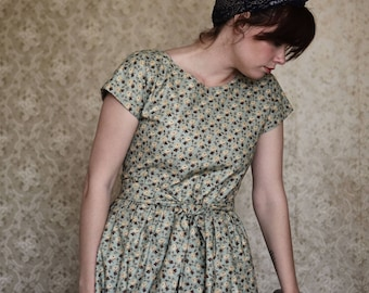 Dress / Day Dress / 1950's dress /  Summer Dress / Retro Dress / Vintage Dress / Long Dress / Floral Dress / Short Sleeve Dress