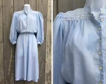 Vintage dress | 1980s Toni Todd pale blue soft chambray modest shirt dress with matching belt