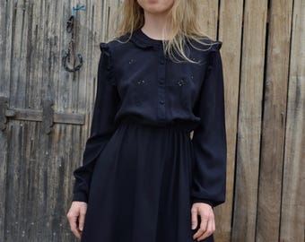 Black vintage dress secretary office day picnic mid century style long sleeves crepe lace frills