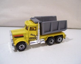 Vintage Matchbox Dirty Dumper Die-Cast Dump Truck 1981, Peterbilt