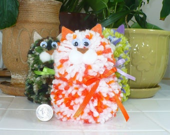 yarn animal, yarn cat, yarn kitten, orange cat, white cat, handmade cat, toy cat, kids toy, plush cat, soft cat, small cat, small kitten
