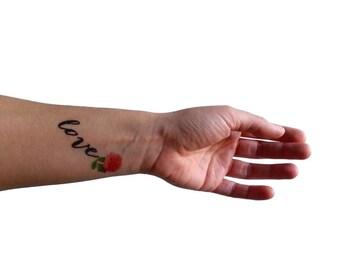 Love tatuaggio temporaneo con scritta / peonia rosa illustrazione floreale / fiori vintage scritta calligrafia / tatuaggio botanico da polso
