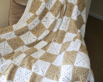 Beautiful Crochet Afghan Throw, tan and white